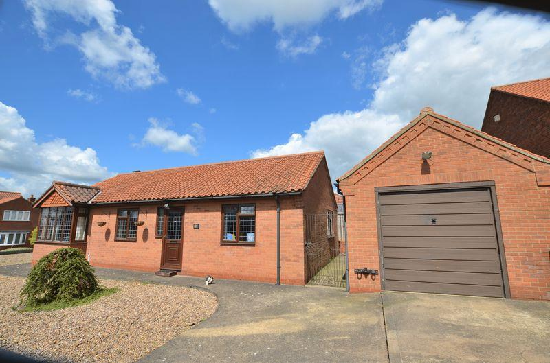 3 Bedrooms Detached Bungalow for sale in Greengarth, Bottesford, Scunthorpe