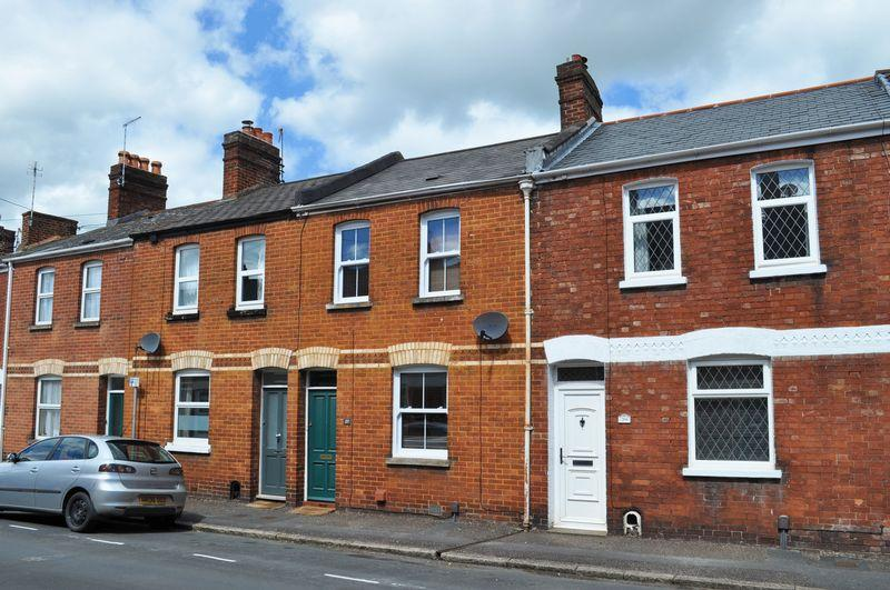 2 Bedrooms Terraced House for sale in St Leonards