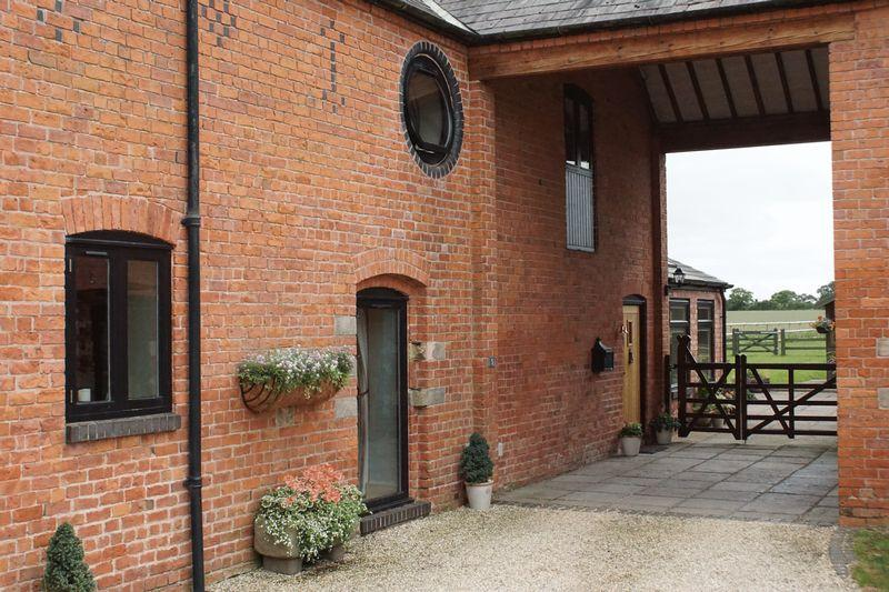 4 Bedrooms Barn Conversion Character Property for sale in Highfield Barns, Aston Juxta Mondrum, Nr Nantwich