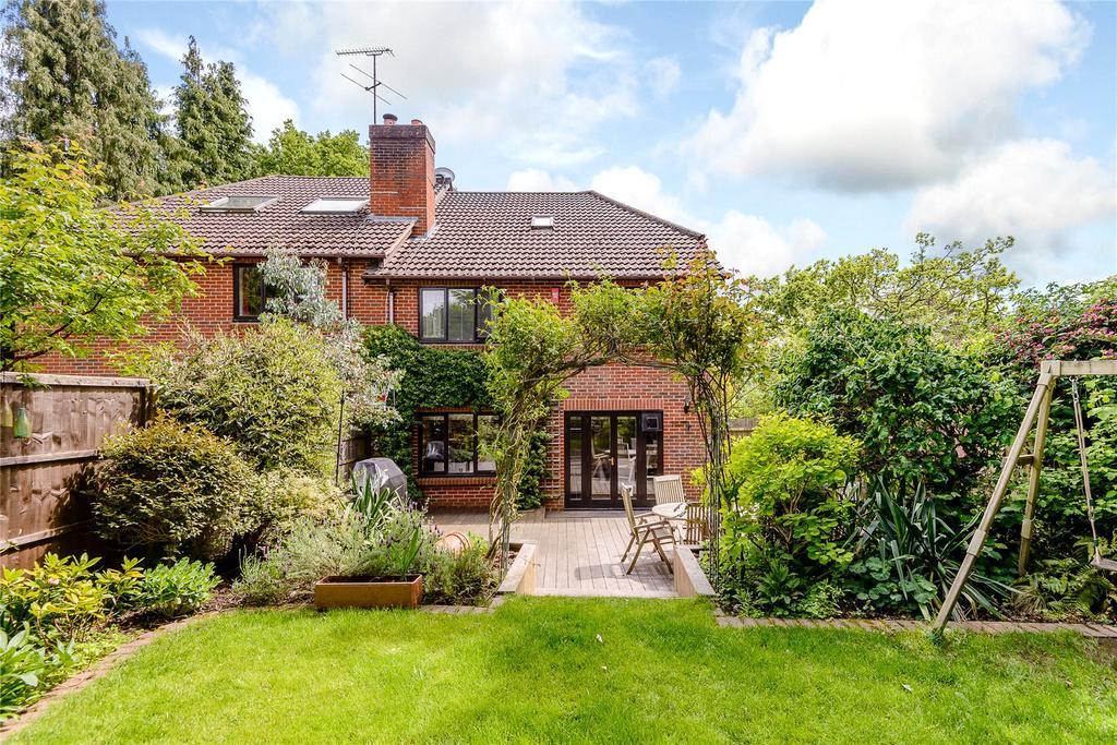 4 Bedrooms Semi Detached House for sale in Rosslea, Windlesham, Surrey