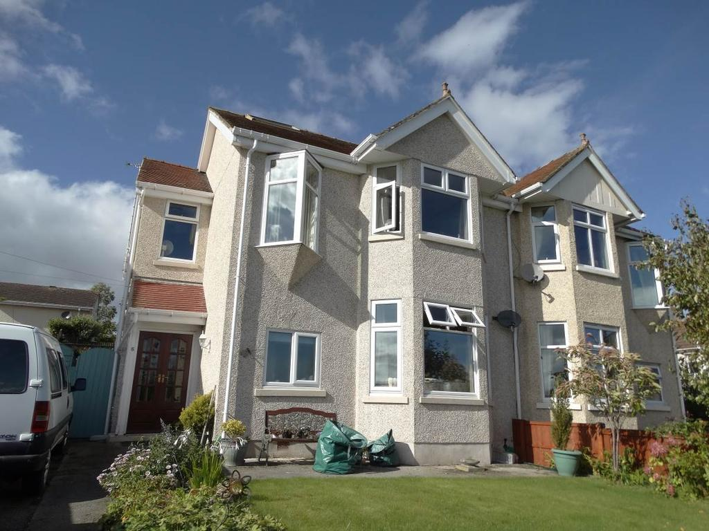 4 Bedrooms Semi Detached House for sale in 6 Llanrhos Road, Penrhyn Bay, LL30 3HP