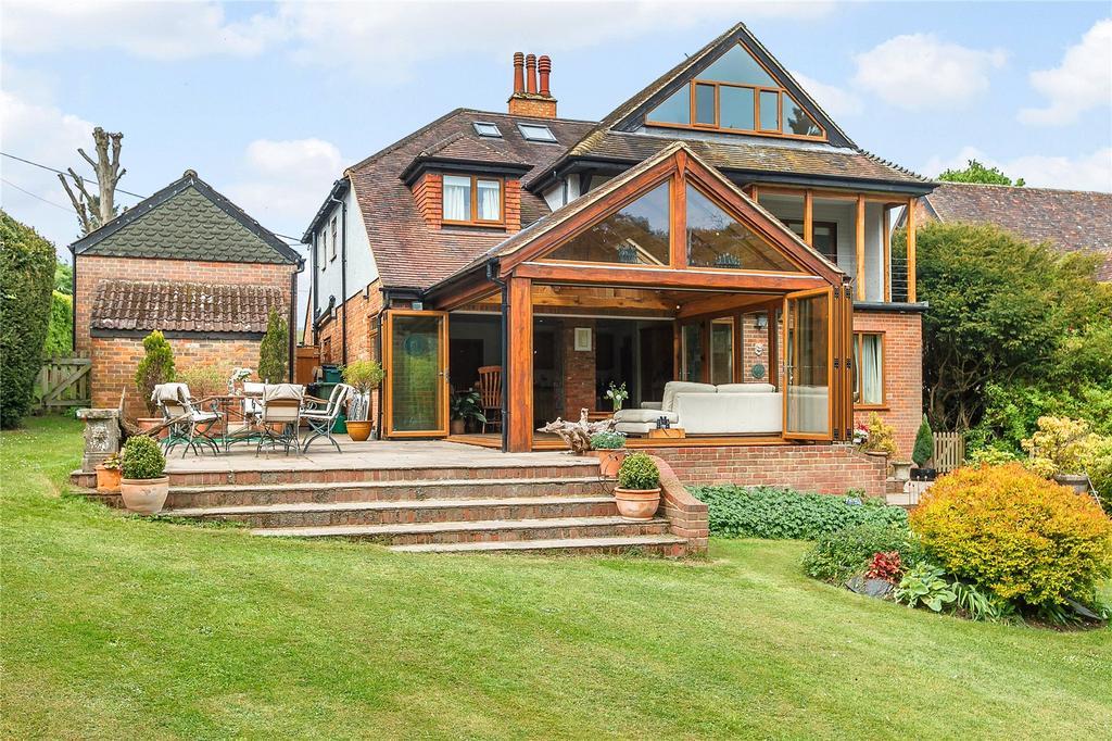 5 Bedrooms Detached House for sale in Ballinger, Great Missenden, Buckinghamshire, HP16