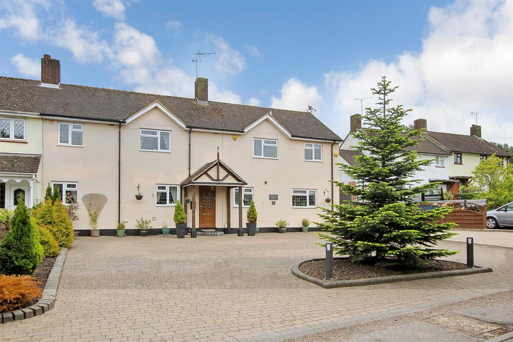 5 Bedrooms Semi Detached House for sale in Honeypot Lane, Brentwood
