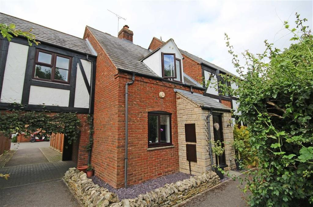 2 Bedrooms Semi Detached House for sale in Green Meadow Bank, Bishops Cleeve, Cheltenham, GL52