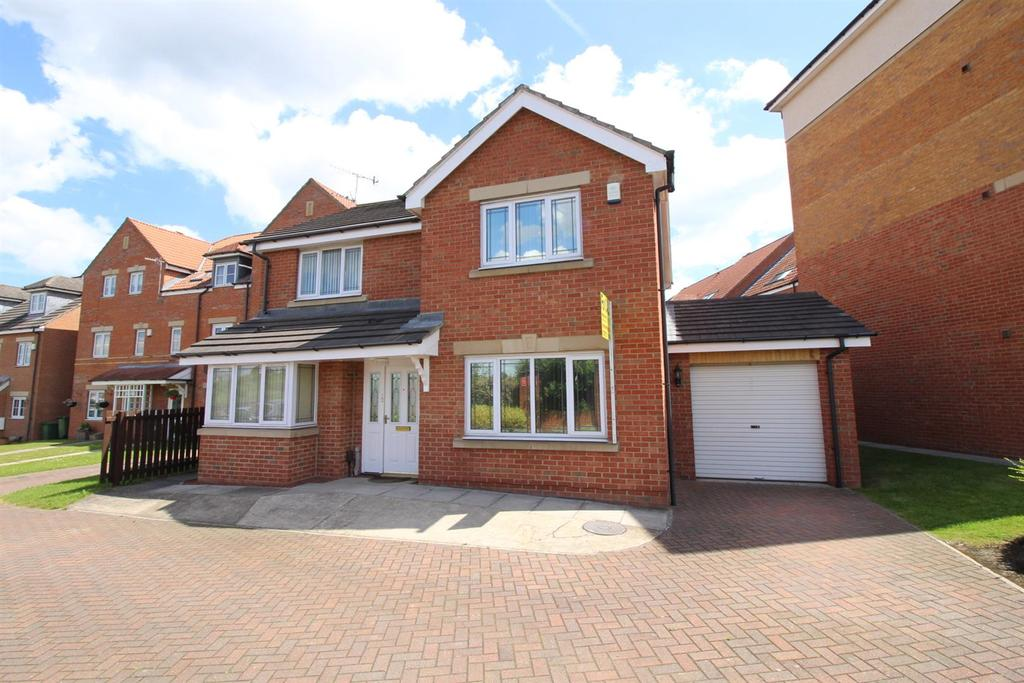 5 Bedrooms Detached House for sale in Radcliffe Close, Gateshead