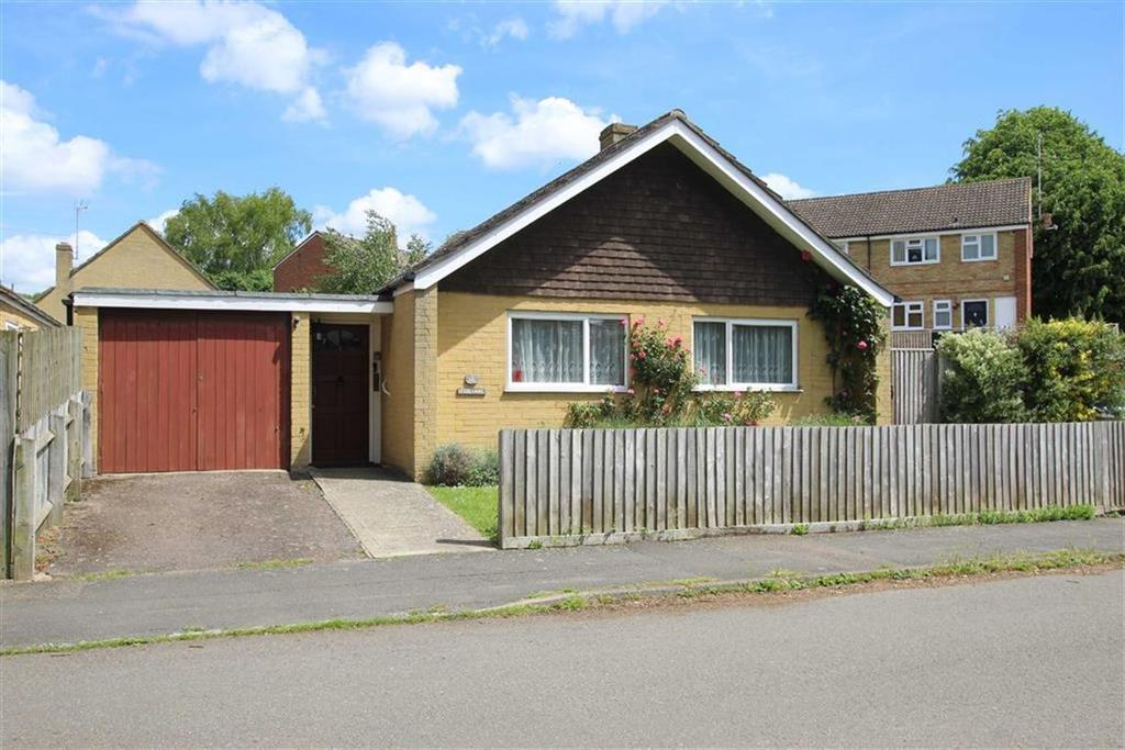 3 Bedrooms Bungalow for sale in 4, Fox Lane, Brackley