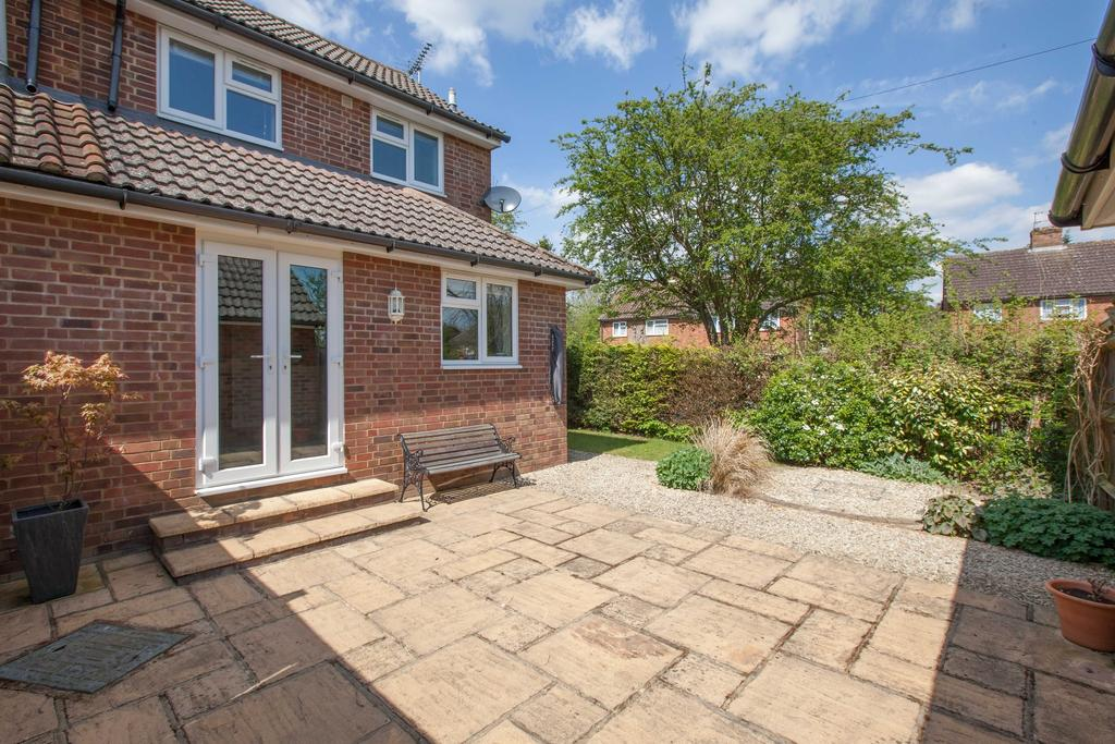 1 Bedroom End Of Terrace House for sale in Beaconsfield