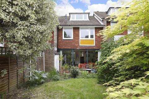 4 bedroom townhouse to rent - Little Bornes, London