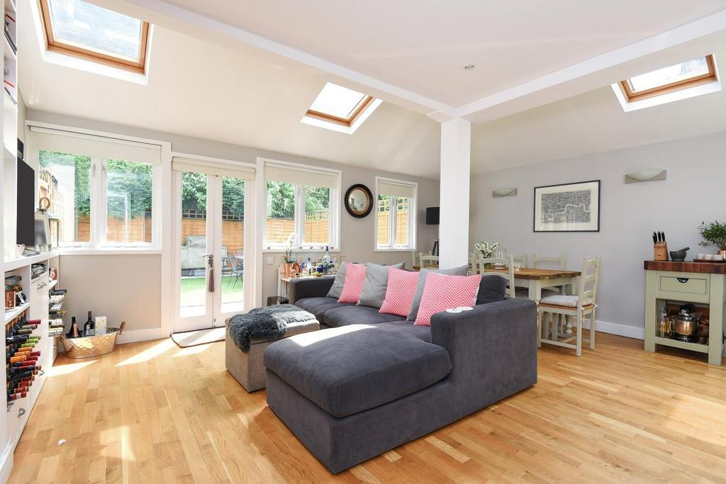 2 Bedrooms Terraced House for sale in Station Masters House, Earlsfield Road, Earlsfield, SW18