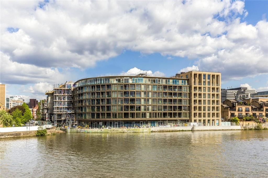 1 Bedroom Flat for sale in Queens Wharf, Riverside Studios, Hammersmith, W6