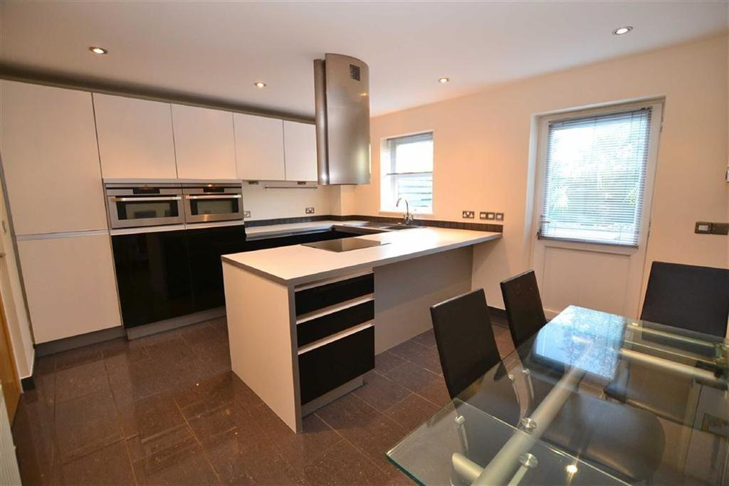 3 Bedrooms Town House for sale in Barrowford Grange, Colne, Lancashire