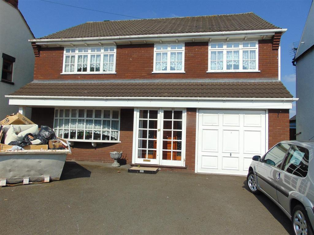 4 Bedrooms Detached House for sale in Coppice Road, Walsall Wood