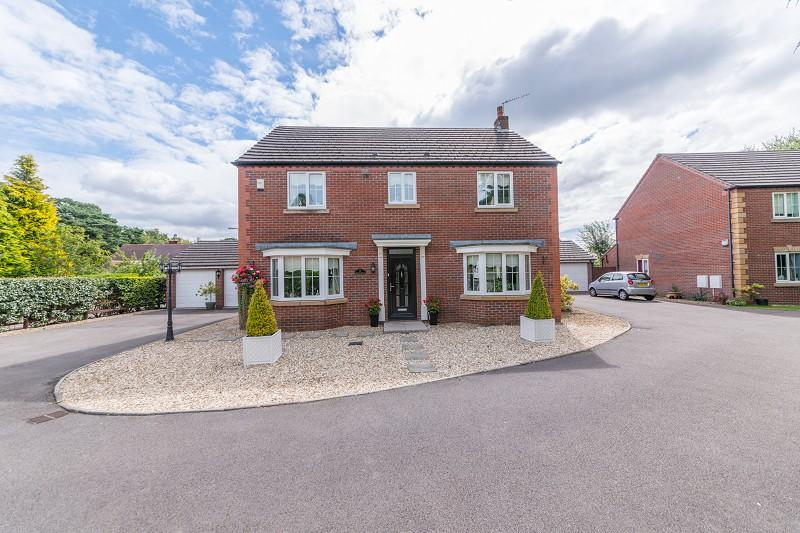 4 Bedrooms Detached House for sale in Pencarn Avenue, Coedkernew, Newport, Newport. NP10 8TJ