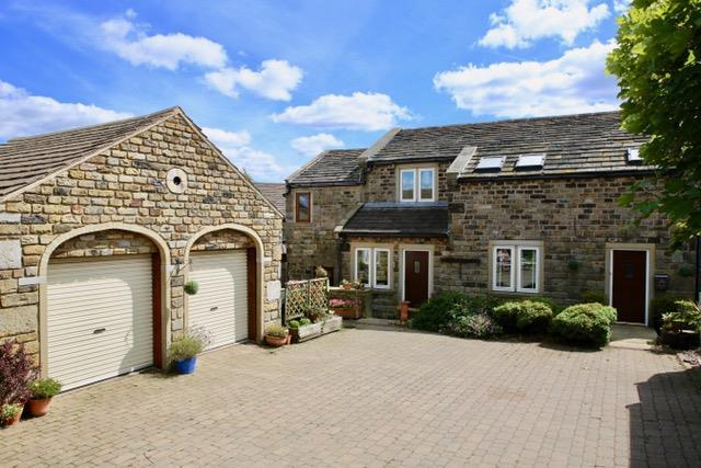 4 Bedrooms Barn Conversion Character Property for sale in Lenacre Lane, Emley, Huddersfield, HD8 9TW