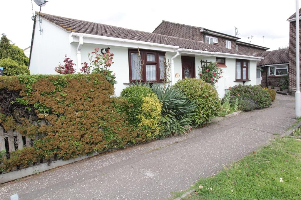 2 Bedrooms Bungalow for sale in Crown Avenue, Pitsea, Basildon, Essex, SS13