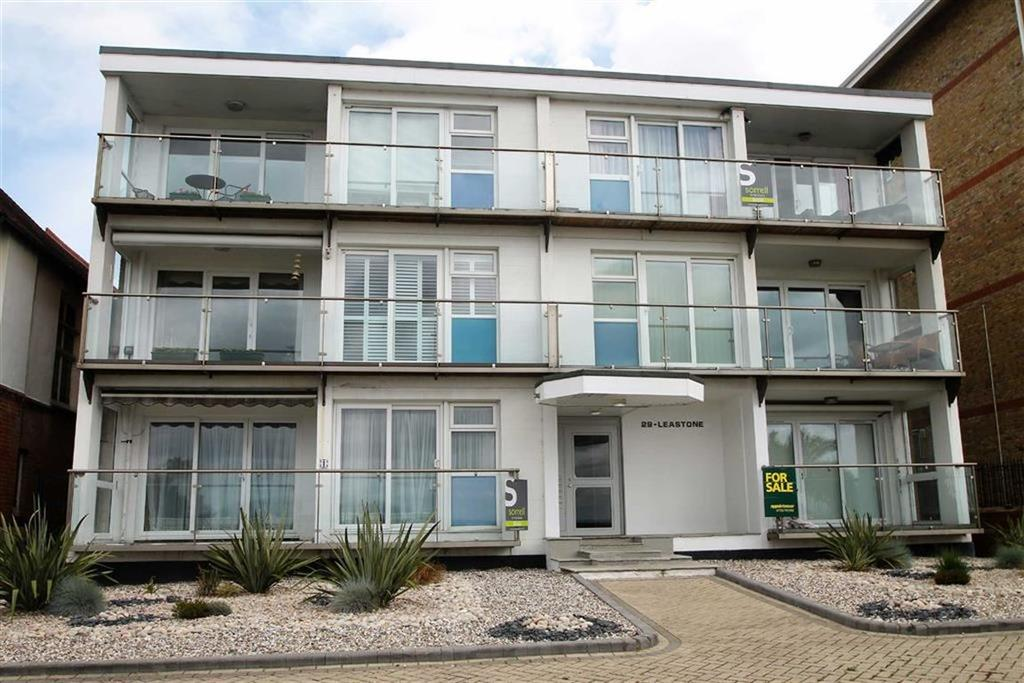 2 Bedrooms Apartment Flat for sale in The Leas, Westcliff On Sea, Essex