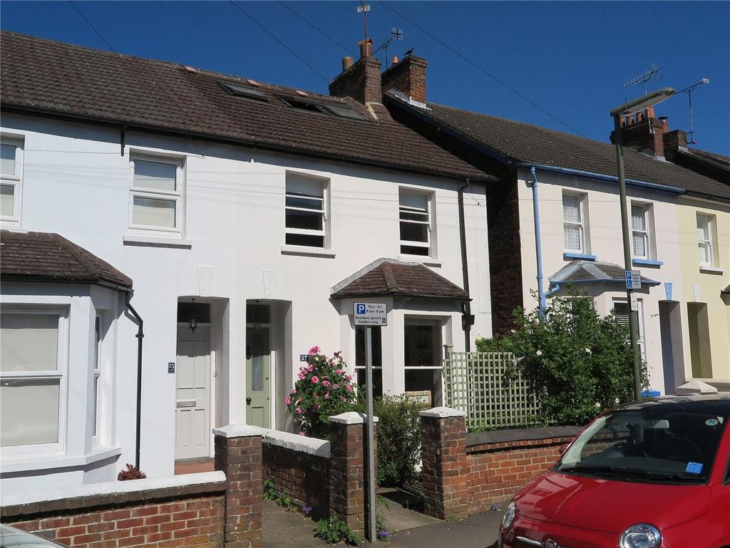 4 Bedrooms Semi Detached House for sale in St Georges Road, Farnham, Surrey, GU9
