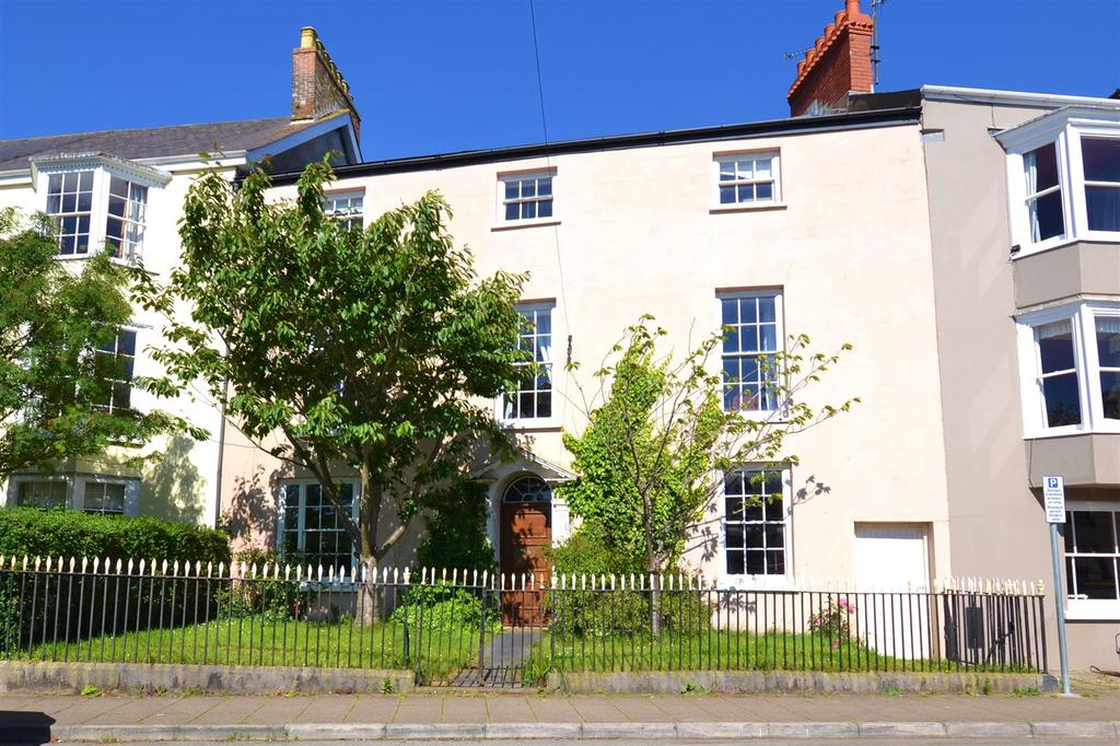 5 Bedrooms Town House for sale in Haverfordwest