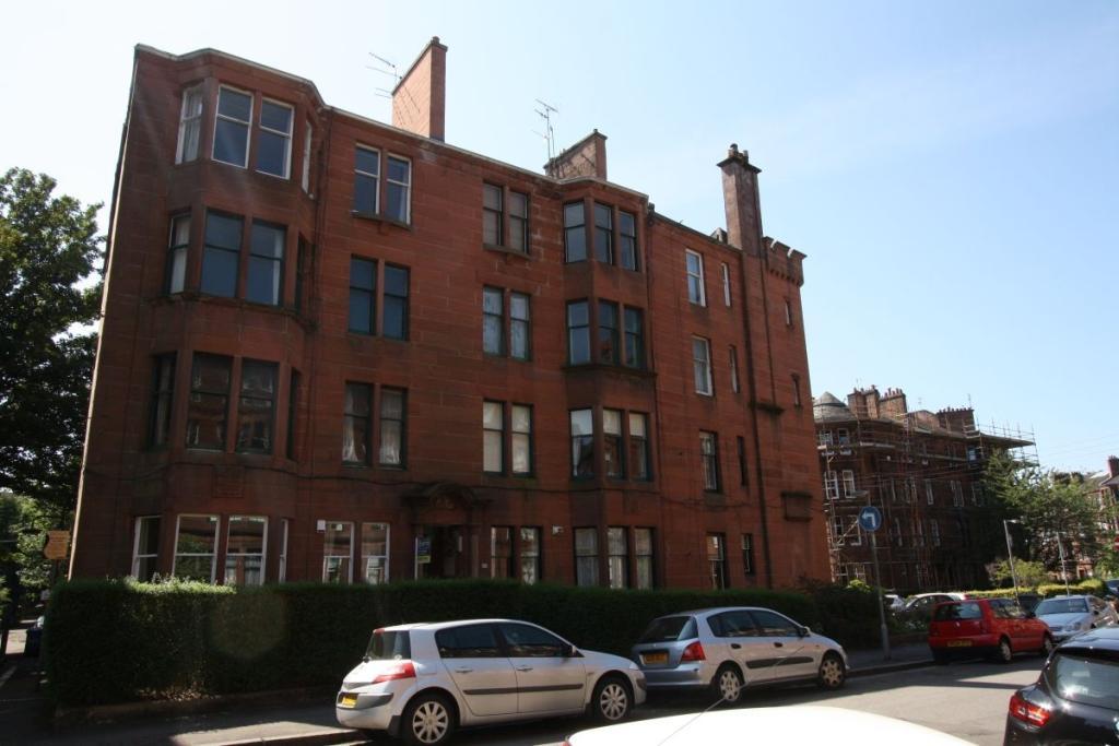 2 Bedrooms Flat for rent in Novar Drive, Hyndland, Glasgow, G12 9SS