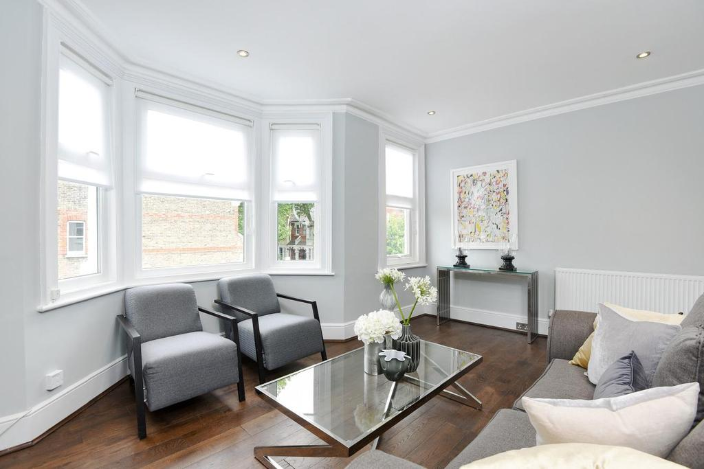 2 Bedrooms Maisonette Flat for sale in Woodlawn Road, Fulham