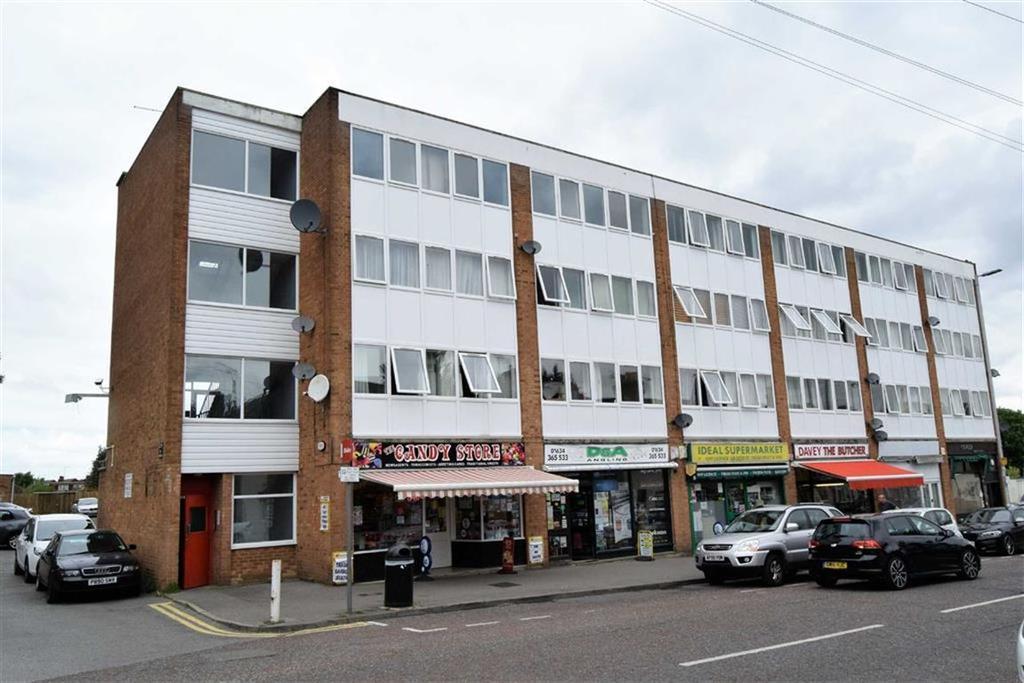 1 Bedroom Flat for sale in Station Road, Rainham, Kent, ME8