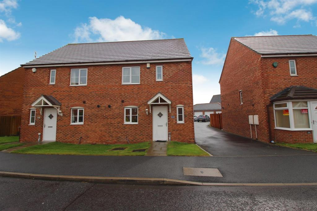 3 Bedrooms Semi Detached House for sale in Cloverfield, West Allotment, Newcastle Upon Tyne