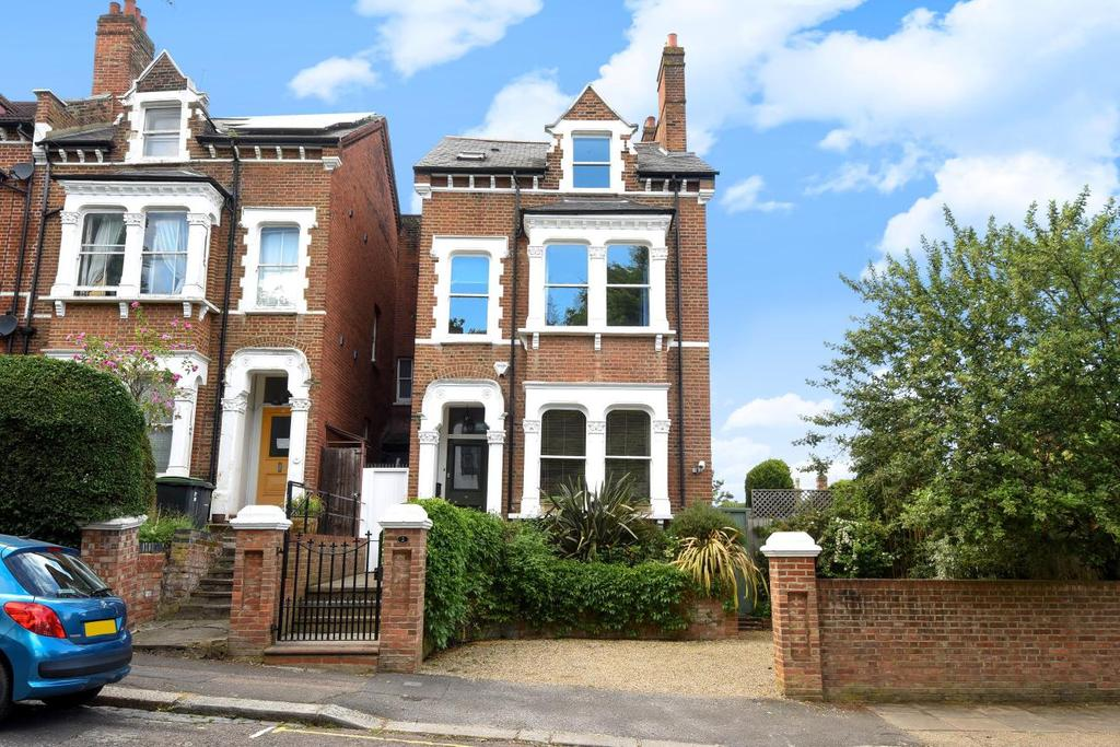 4 Bedrooms Semi Detached House for sale in Winchester Road, Highgate, N6