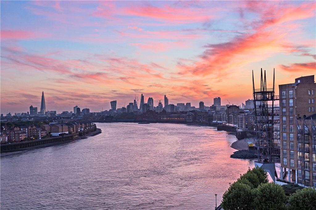 2 Bedrooms Flat for sale in Belgrave Court, 36 Westferry Circus, Nr Canary Wharf, London, E14