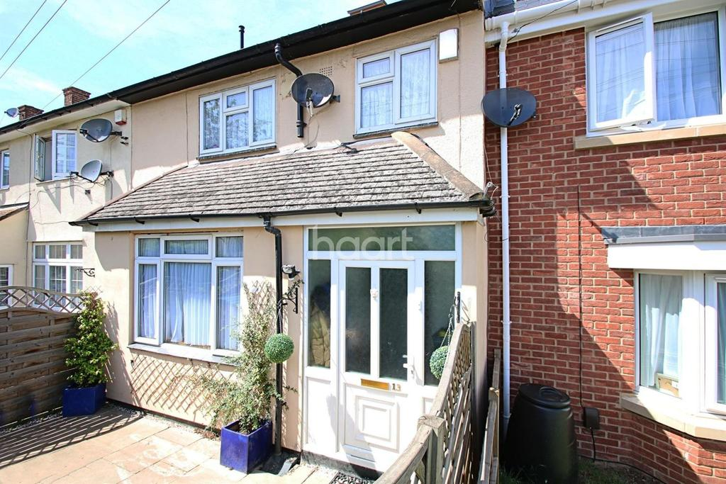 3 Bedrooms Terraced House for sale in Chippenham Close, RM3 8HU