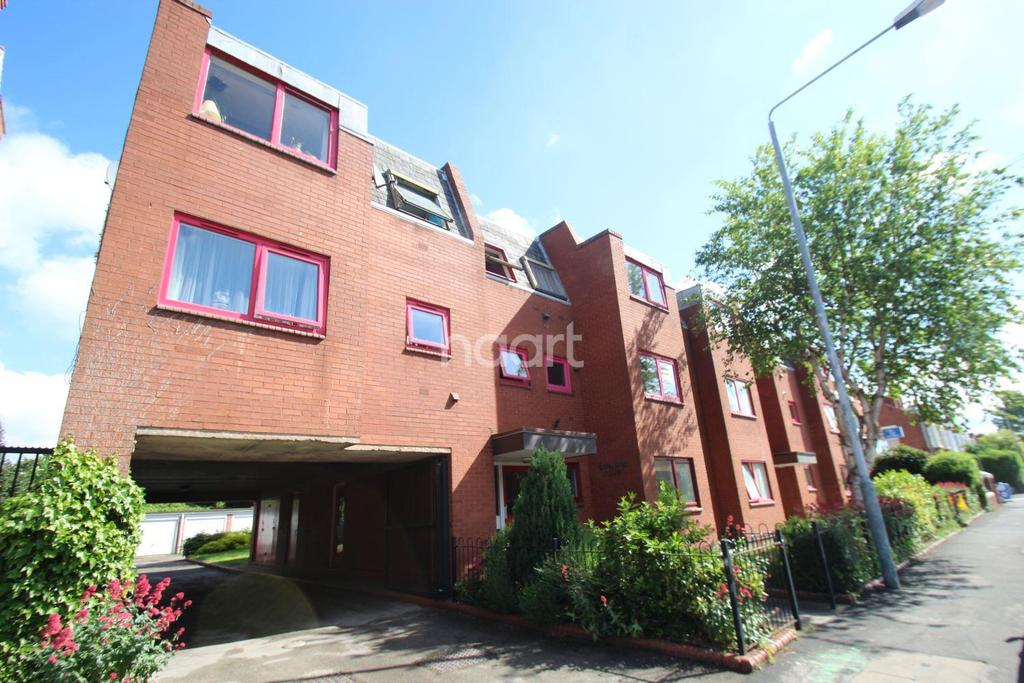 2 Bedrooms Flat for sale in Denford Court,West Bridgford, Nottinghamshire.