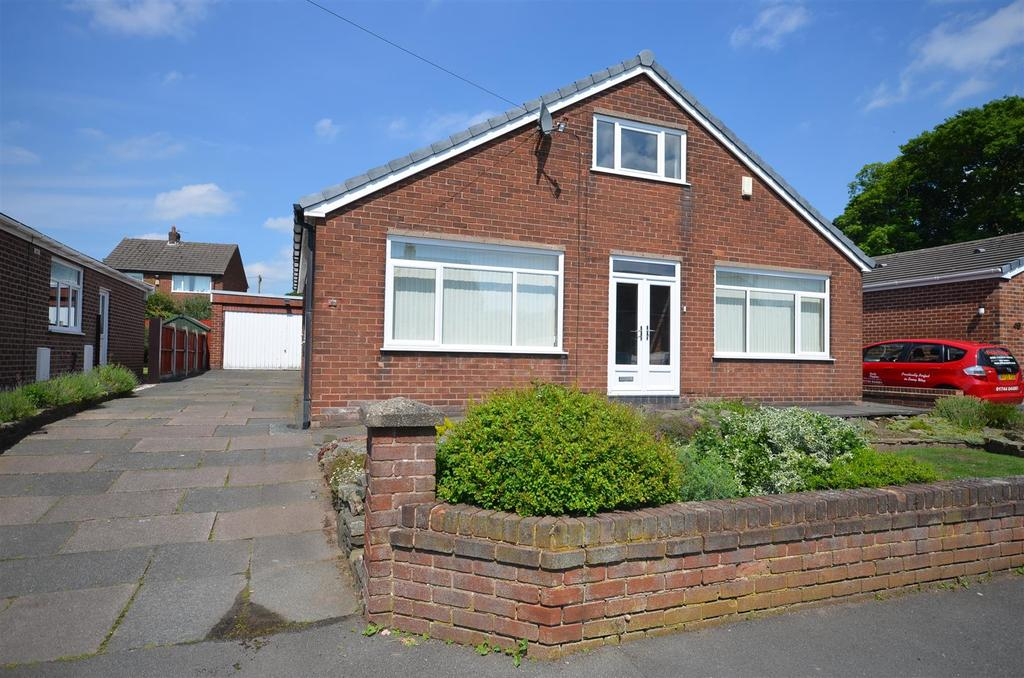 3 Bedrooms Detached Bungalow for sale in Heyes Avenue, Rainford, St. Helens