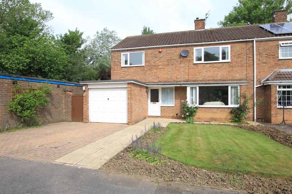 4 Bedrooms Semi Detached House for sale in Cumby Road, Newton Aycliffe