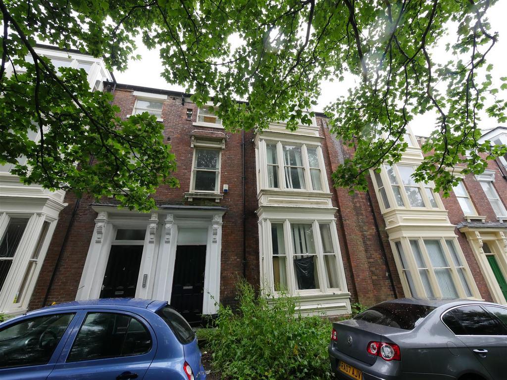 8 Bedrooms Terraced House for sale in Elms West, Ashbrooke, Sunderland