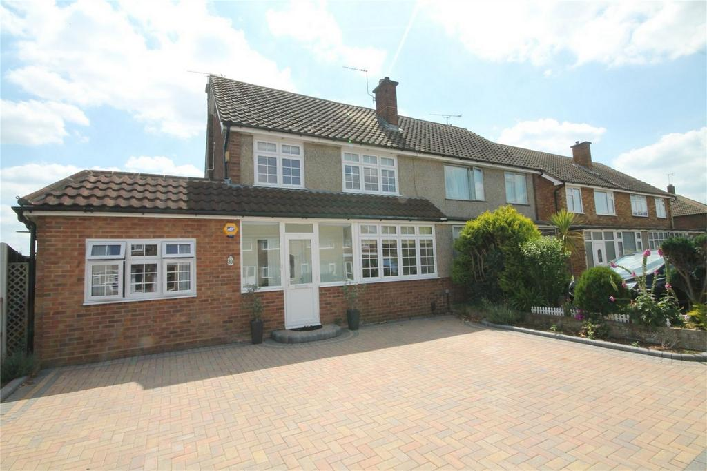 4 Bedrooms Semi Detached House for sale in Lynegrove Avenue, Ashford, Surrey