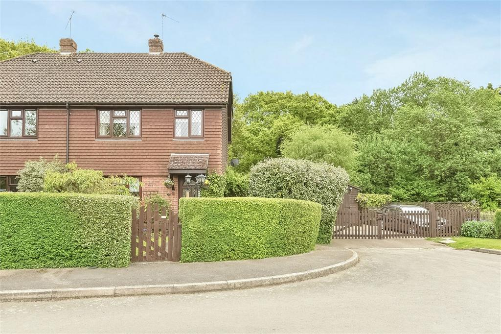 3 Bedrooms Semi Detached House for sale in Binsted, Alton, Hampshire