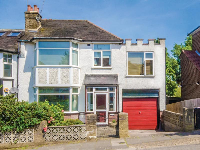 4 Bedrooms Semi Detached House for sale in Alexandra Park Road, N22
