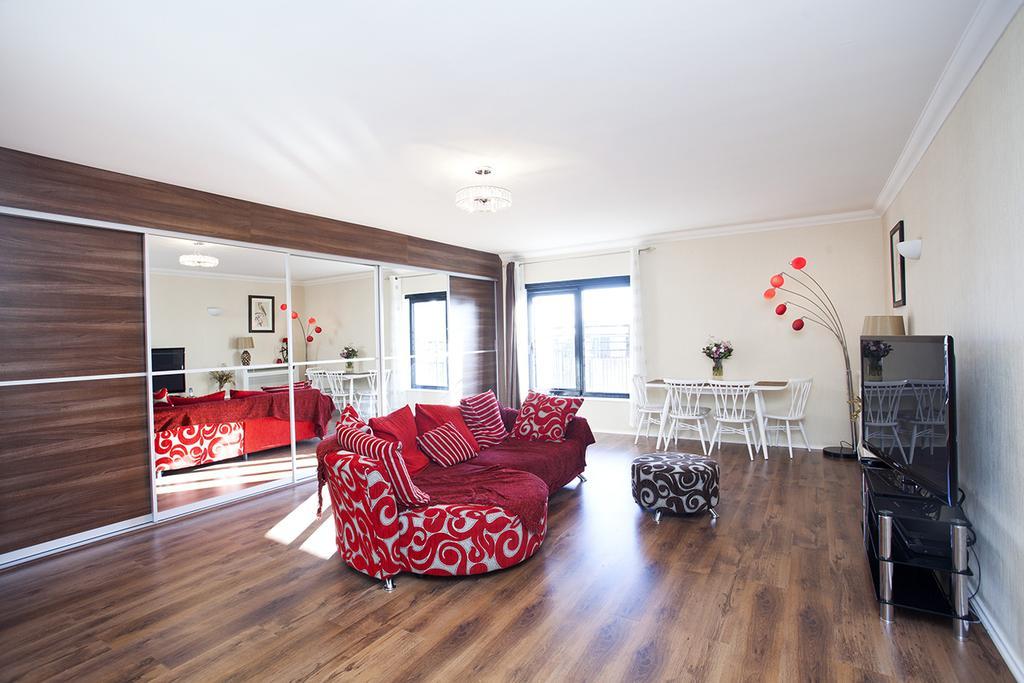 2 Bedrooms Flat for sale in Cromwell Road, London. SW7