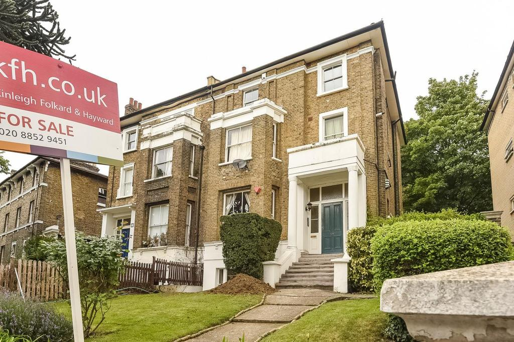 2 Bedrooms Flat for sale in Granville Park, Lewisham