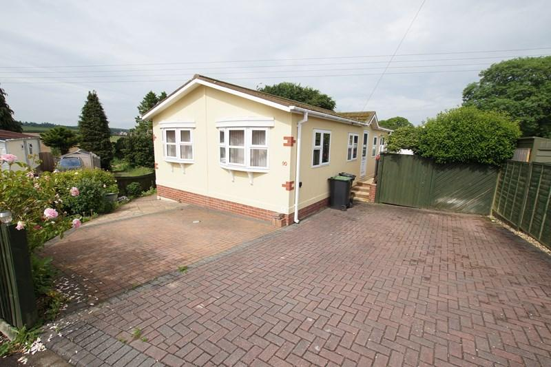 2 Bedrooms Mobile Home for sale in Winterborne Whitechurch, Blandford Forum