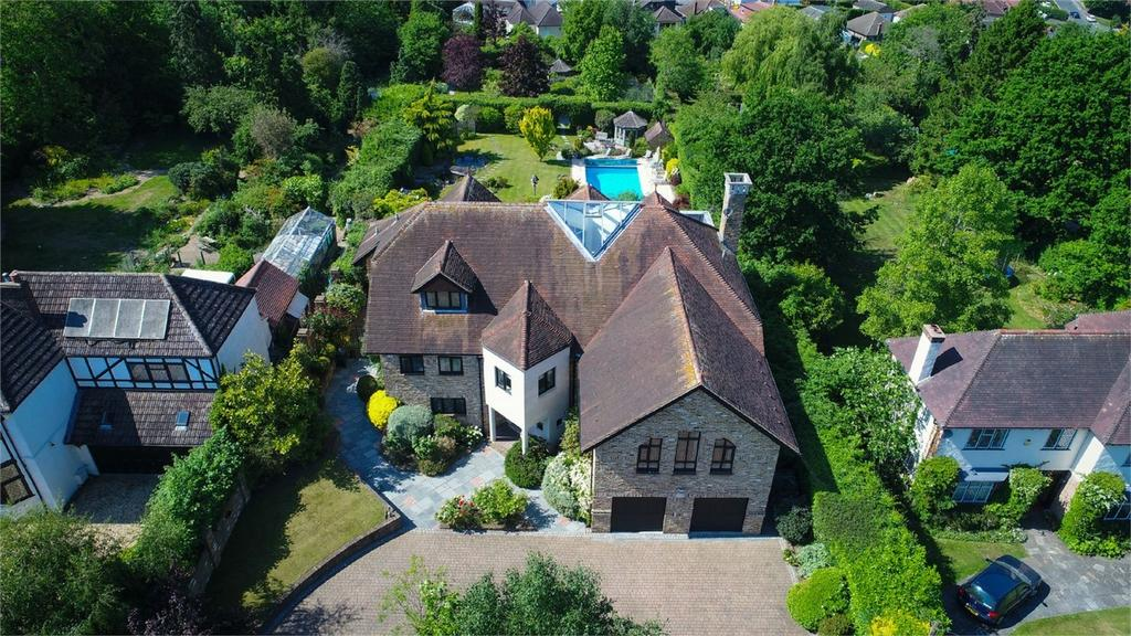 5 Bedrooms Detached House for sale in 12 East Ridgeway, Cuffley, Potters Bar