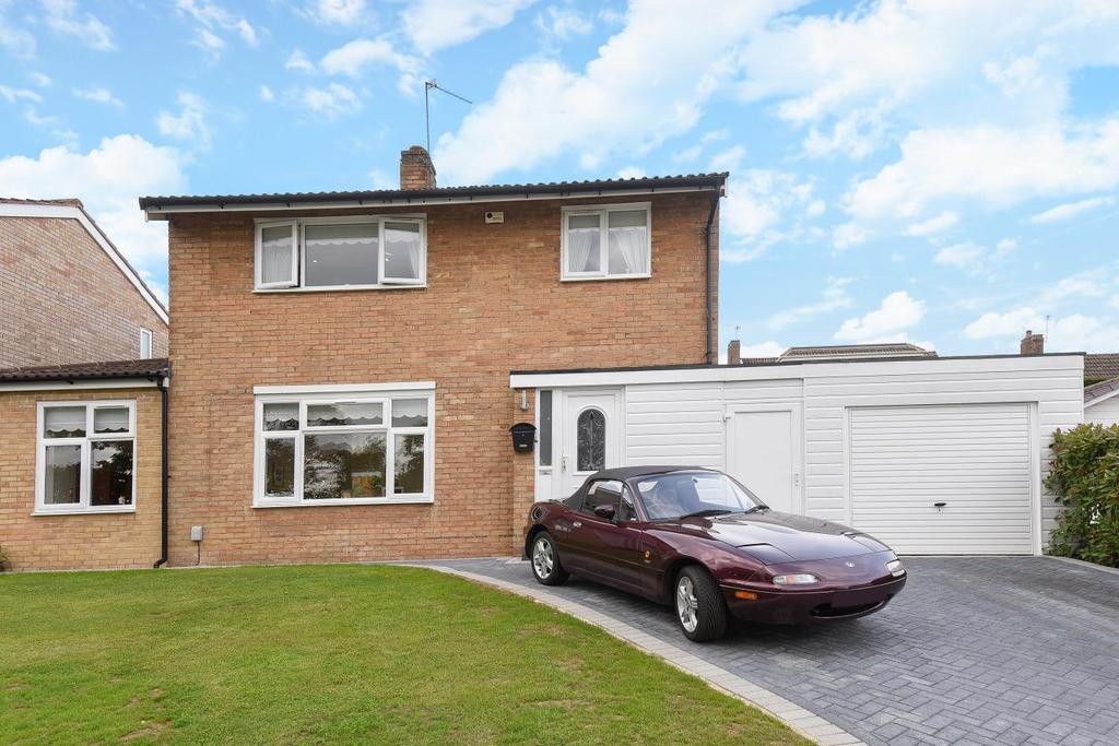 4 Bedrooms Detached House for sale in Hurstfield, Bromley