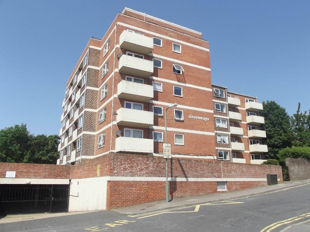 1 Bedroom Flat for sale in Highlands Road Portslade East Sussex BN41