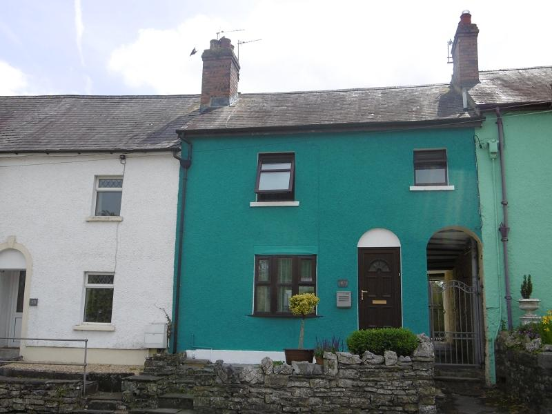 2 Bedrooms Terraced House for sale in Rhosmaen Street, Llandeilo, Carmarthenshire.