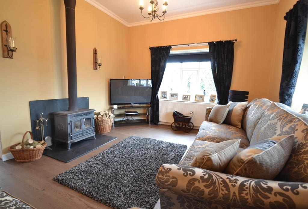 4 Bedrooms Bungalow for sale in Goodleigh Road, Barnstaple