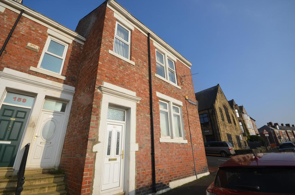 4 Bedrooms Maisonette Flat for sale in Gateshead