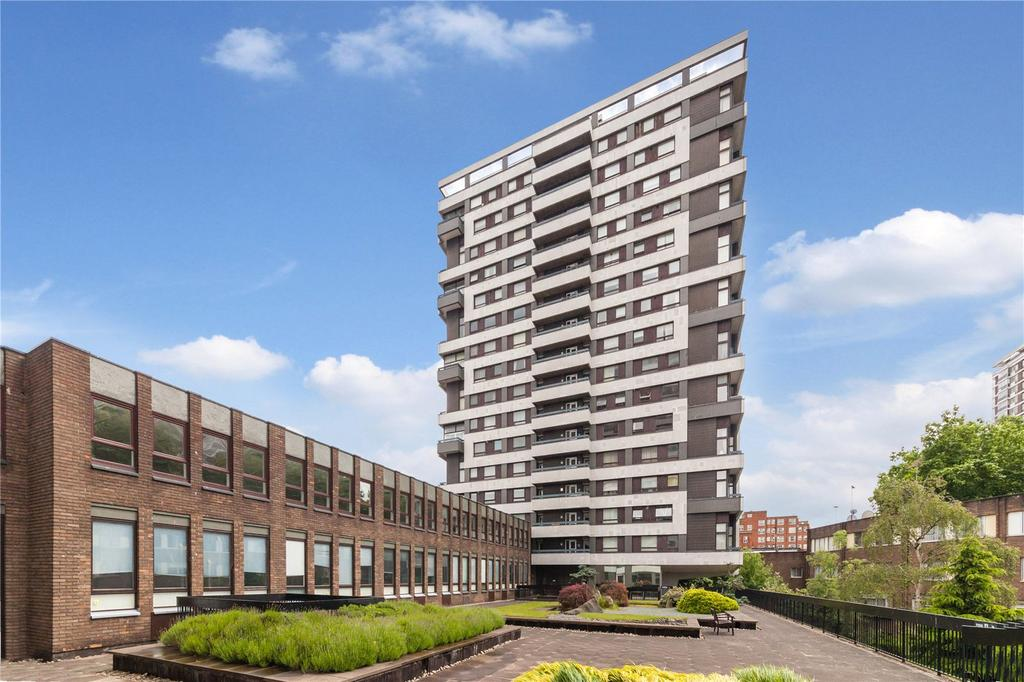 2 Bedrooms Flat for sale in The Water Gardens, London