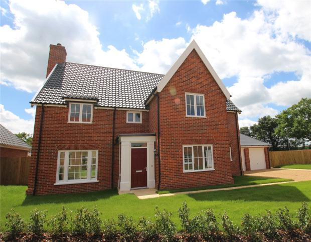 5 Bedrooms Detached House for sale in Stoke Holy Cross, Norwich, Norfolk