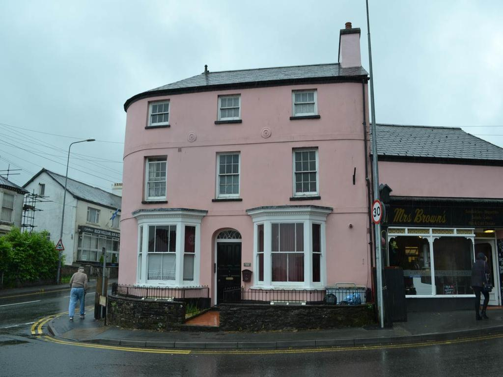 1 Bedroom Flat for rent in New Road, Llandeilo, Carmarthenshire