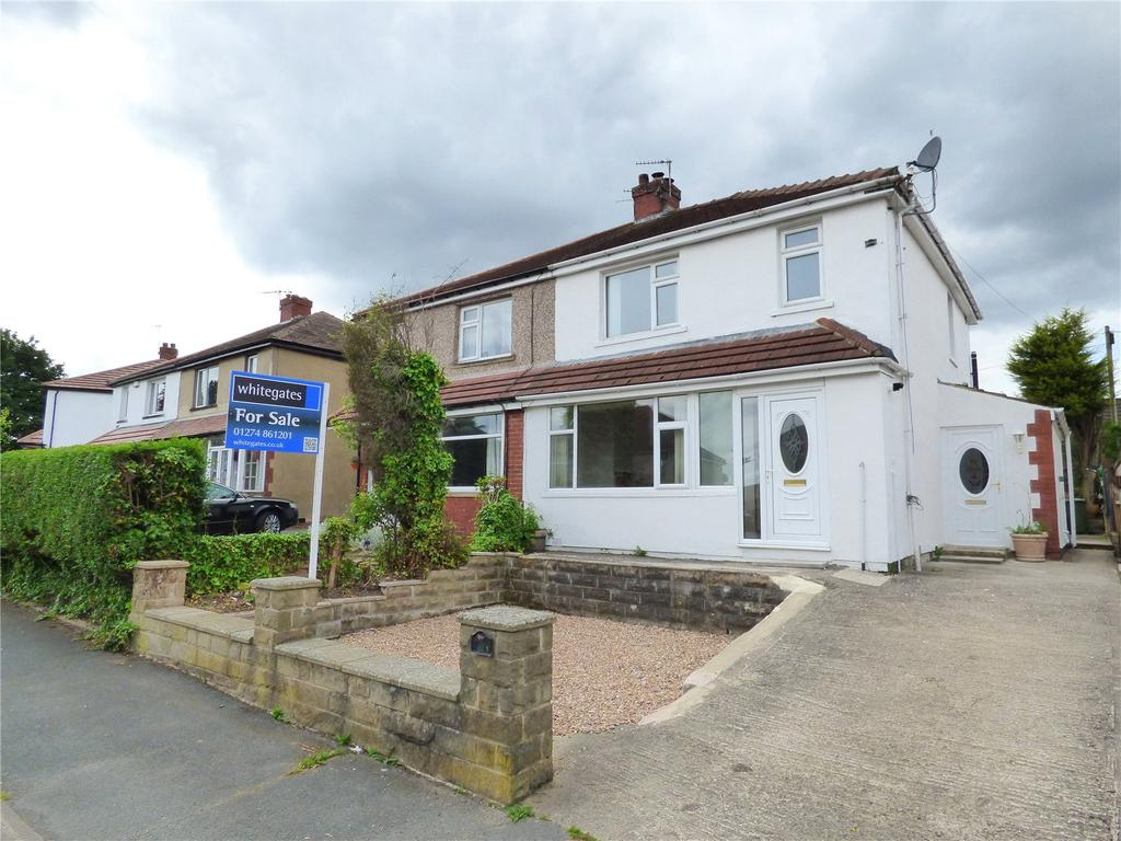 3 Bedrooms Semi Detached House for sale in Greenton Avenue, Scholes, Cleckheaton, BD19
