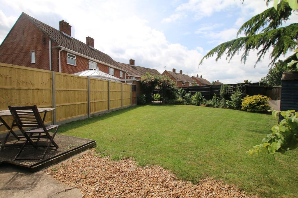 3 Bedrooms Semi Detached House for sale in Eaton Estate, Wimblington, March